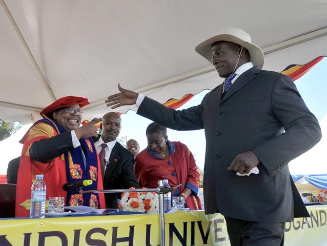 'Museveni' meets  former Tanzanian President H.E Benjamin Mkapa.
