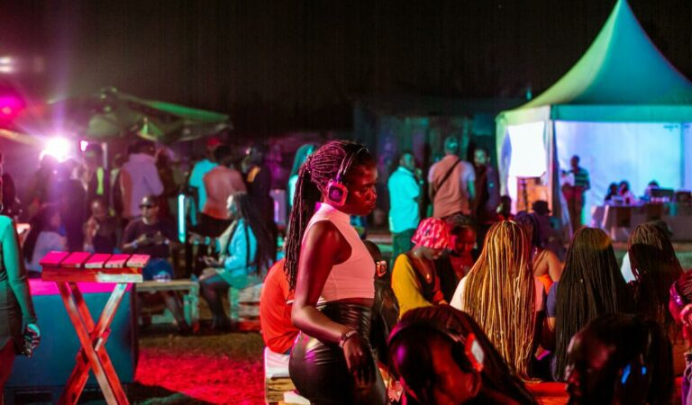 "PHOTOS: Wild, Super Hot MUBS Freshers Flock ""Shades in the Dark"" Campus Party"